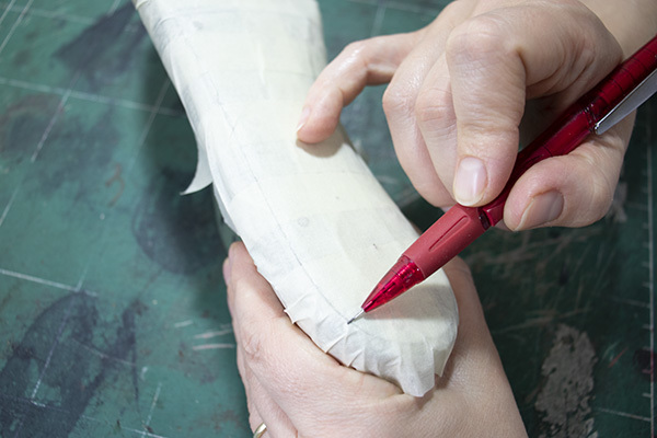drawing the heel insole line
