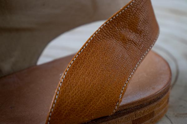 folded edge in shoe upper